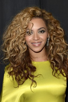 Beyonce reverse ombre long curly hair